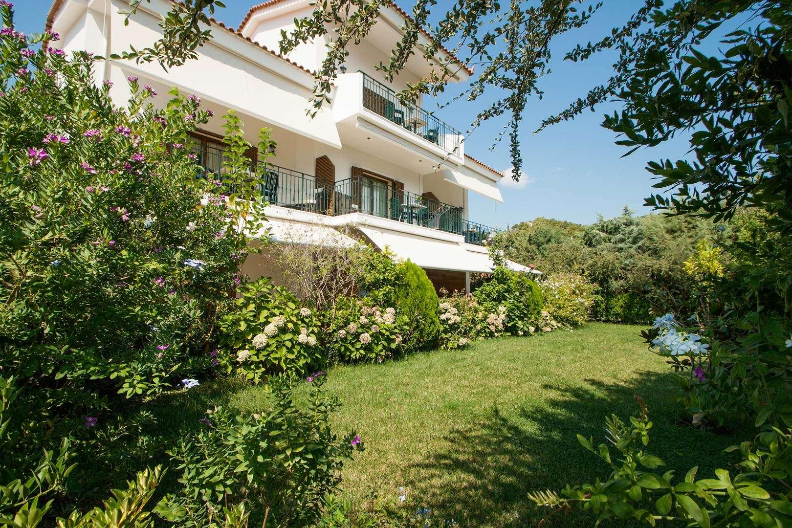 Nina's House Garden
