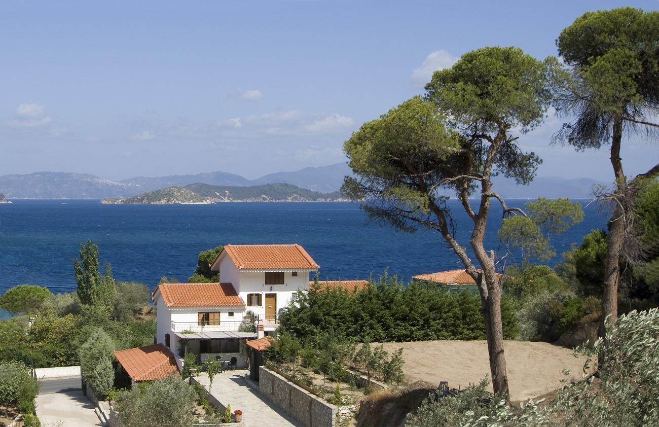 Nina's House View